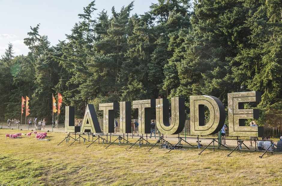 latitude-sign-latitude-festival-2015-1437390248-view-0