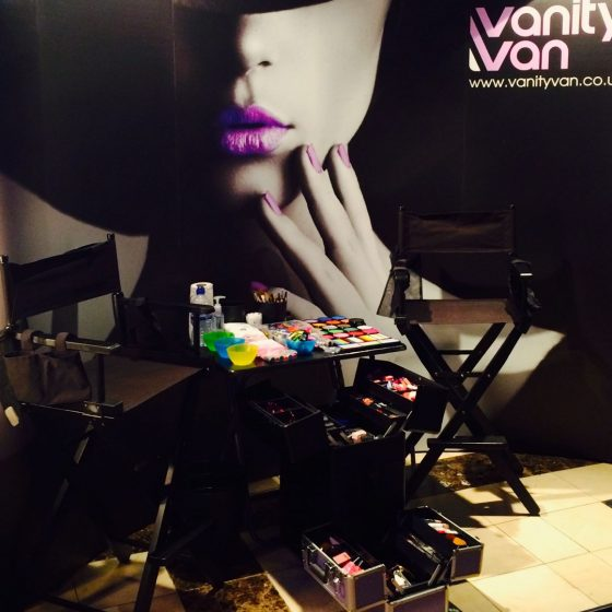 10-vanity-van-indoor-salon-make-up-area