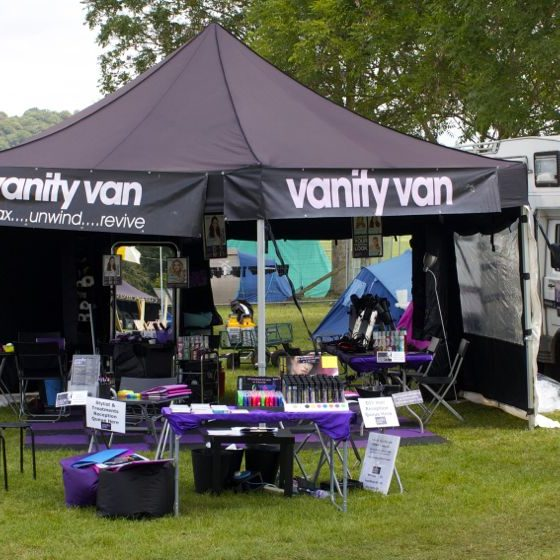11-large-festival-salon-set-up