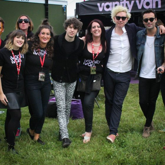 14-the-team-with-the-kooks-backstage-at-leeds-festival-2014