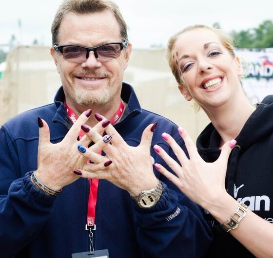 18-latitude-2013-eddie-izzard-nails