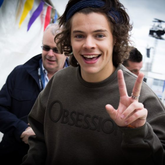 3-radio-one-big-weekend-2014-harry-styles-one-direction-outside-the-salon