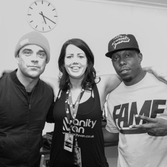 5-radio-one-big-weekend-2013-robbie-williams-and-dizzee-rascal-after-alix-lent-them-her-speakers
