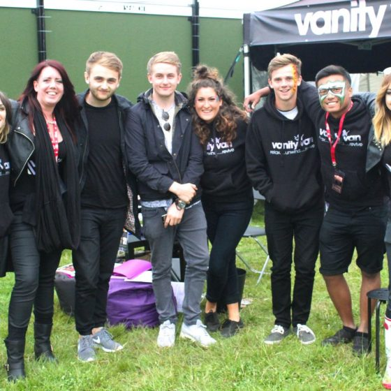 6-the-team-with-disclosure-backstage-at-leeds-festival-2014-post-hair-cut