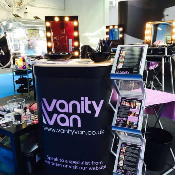 6-vanity-van-reception