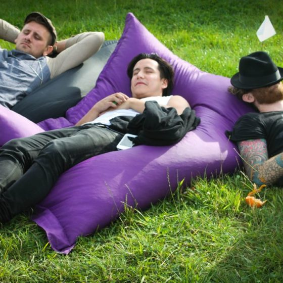 89-leeds-festival-2014-american-authors-relaxing-in-the-waiting-room