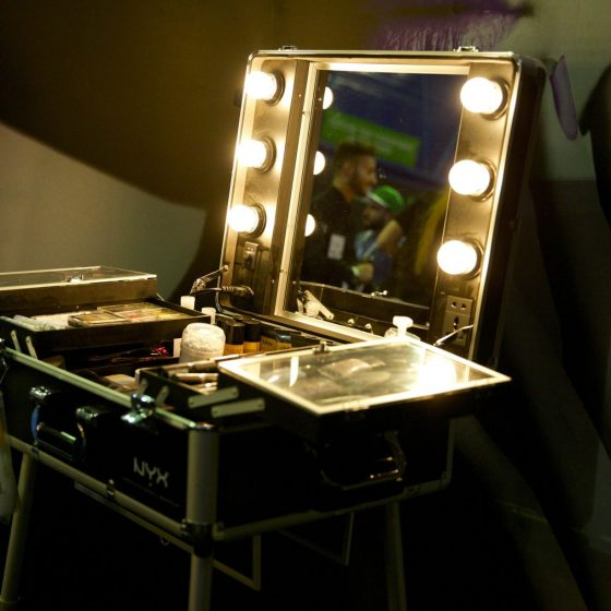 9-vanity-van-make-up-stations