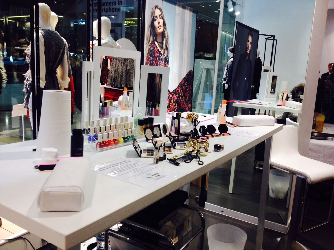 Hm Beauty Tour 15 Locations Nail And Make Up Activation