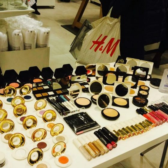 hm-beauty-tour-nail-and-make-up-display