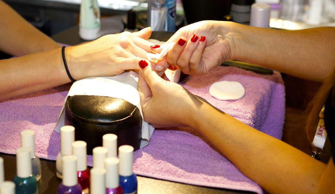 Vanity Van manicures