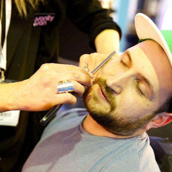 vanity-van-wet-shaving-1