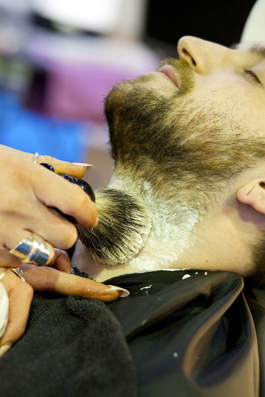 vanity-van-wet-shaving-2