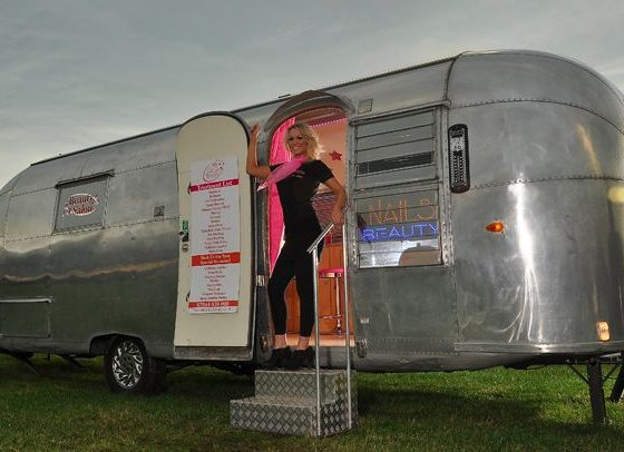 beauty-salon-airstream
