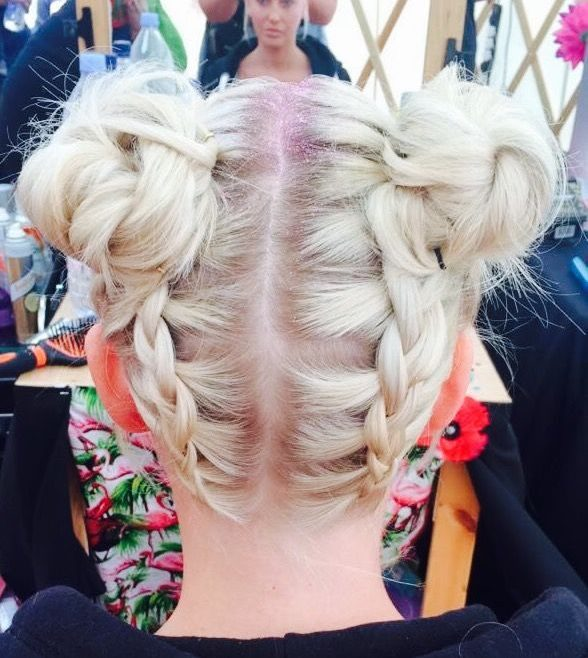 space buns Festival hair trends