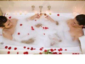 Valentines couples bath