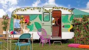 caravan mobile salon