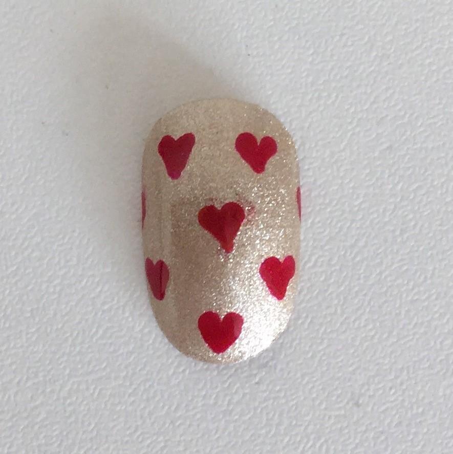 Vanity van nail art tiny love hearts