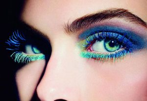 80s eye makeup coloured mascara beauty trends summer