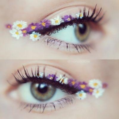 Festival Looks Floral Eyeliner